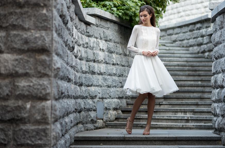 Модные короткие свадебные платья в коллекциях 2020 года