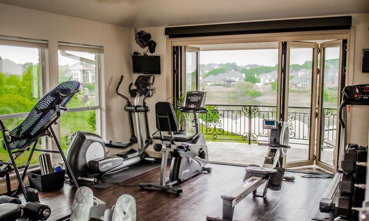 5 незаменимых вещей, которые точно пригодятся для выполнения спортивных упражнений на дому
