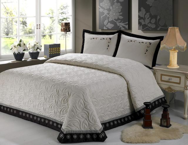 Покрывало для кровати: купить натуральное или искусственное
