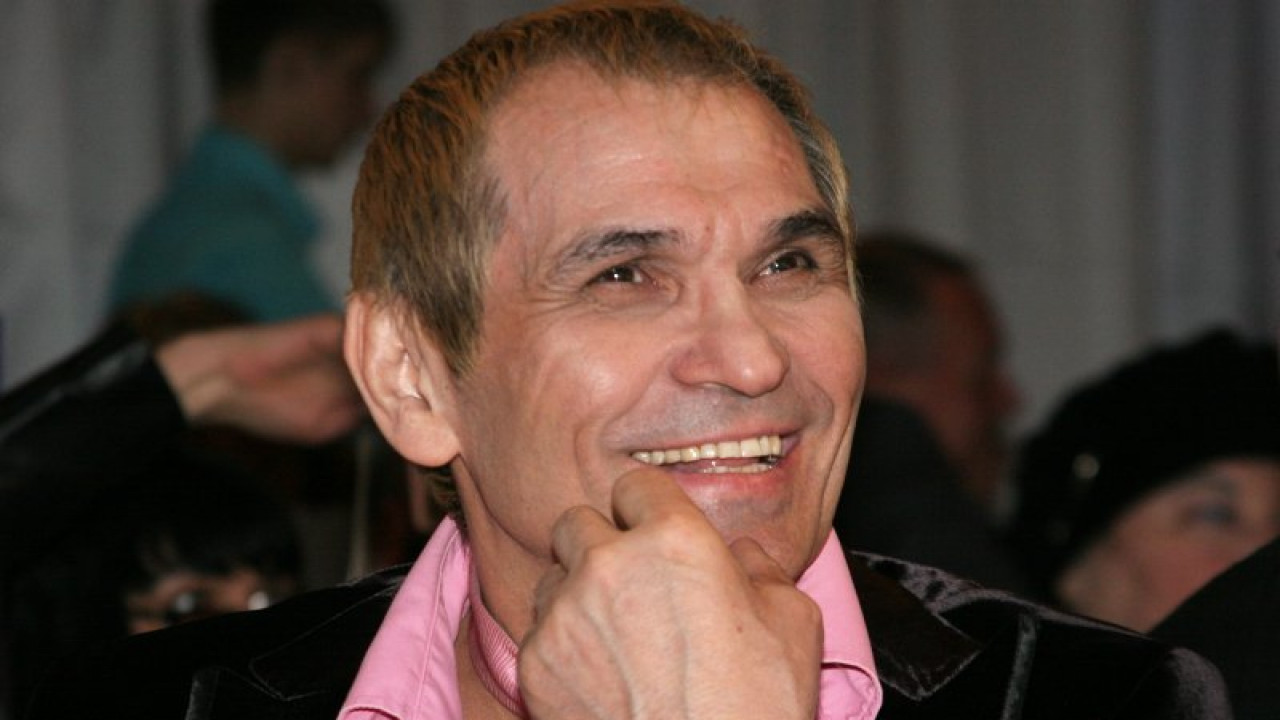 Бари Алибасов попал в больницу с ожогом желудка