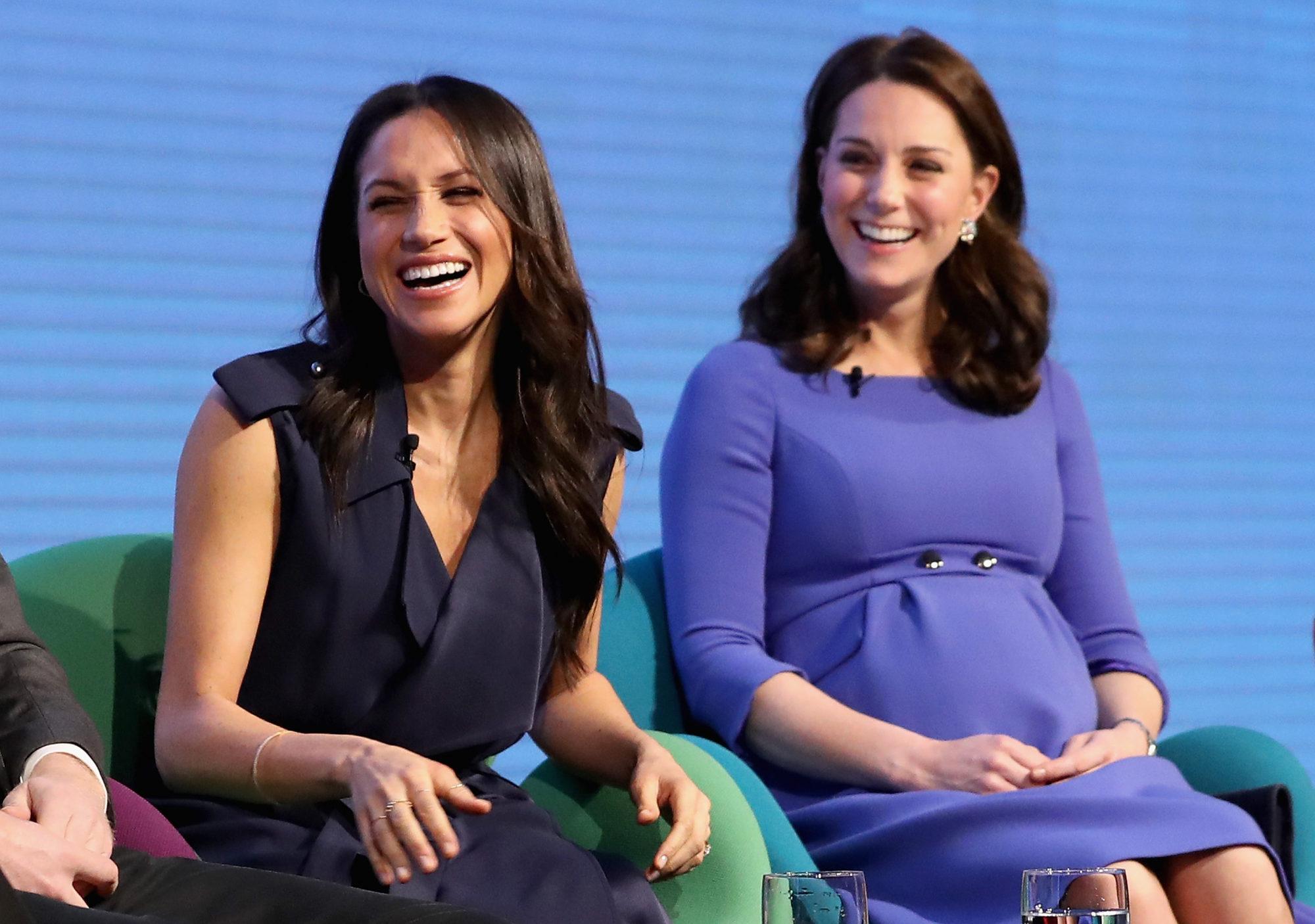 Кейт Миддлтон и Меган Маркл выглядят вместе, словно мать и дочь
