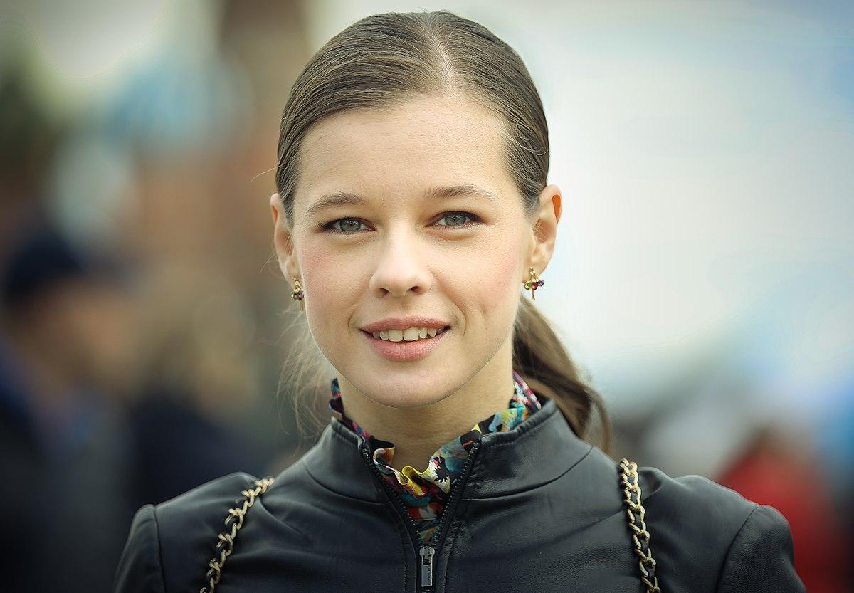 Катерина Шпица блистала на красной дорожке в нежном платье