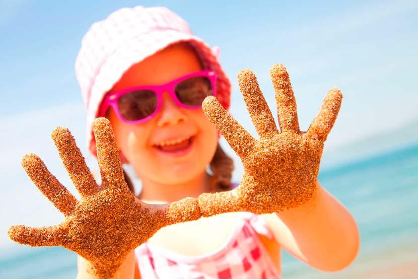 Как организовать заграничный отдых с детьми?