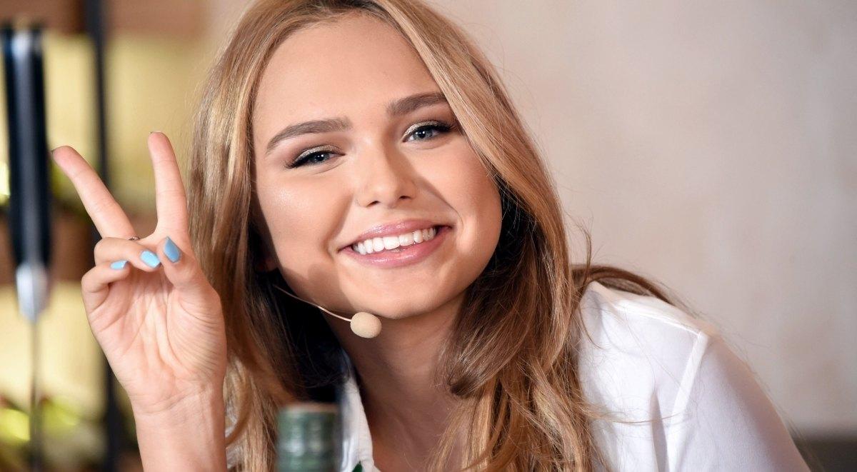 Стефания Маликова снова побывала в театре
