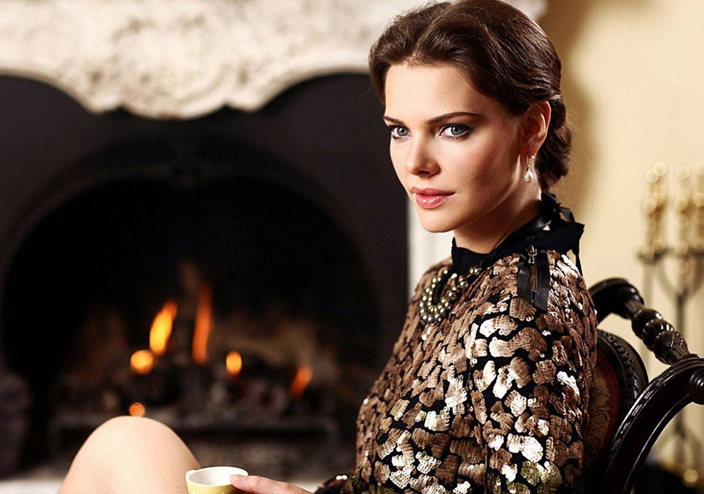 Елизавета Боярская засветила обнаженную грудь