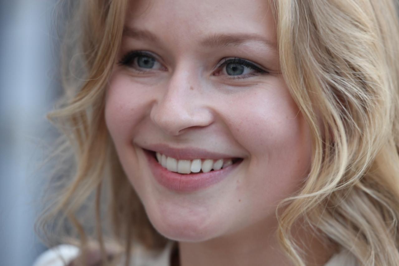 Юлия Пересильд показала лицо без макияжа