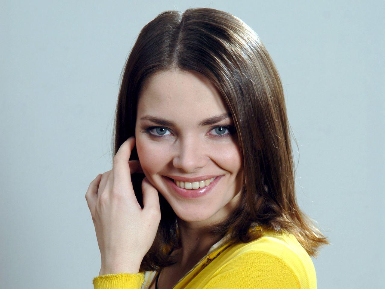 Елизавета Боярская примерила ретро-образ