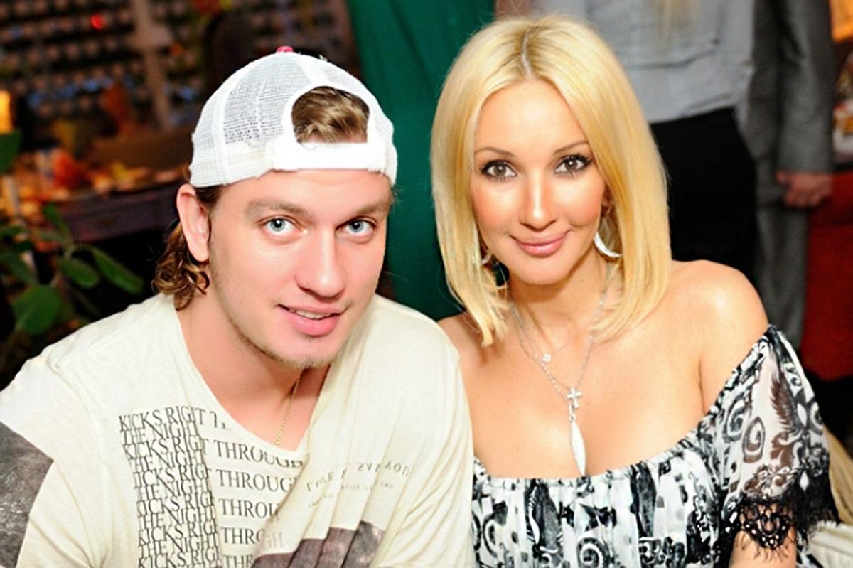 Лера Кудрявцева отправилась на прогулку с мужем