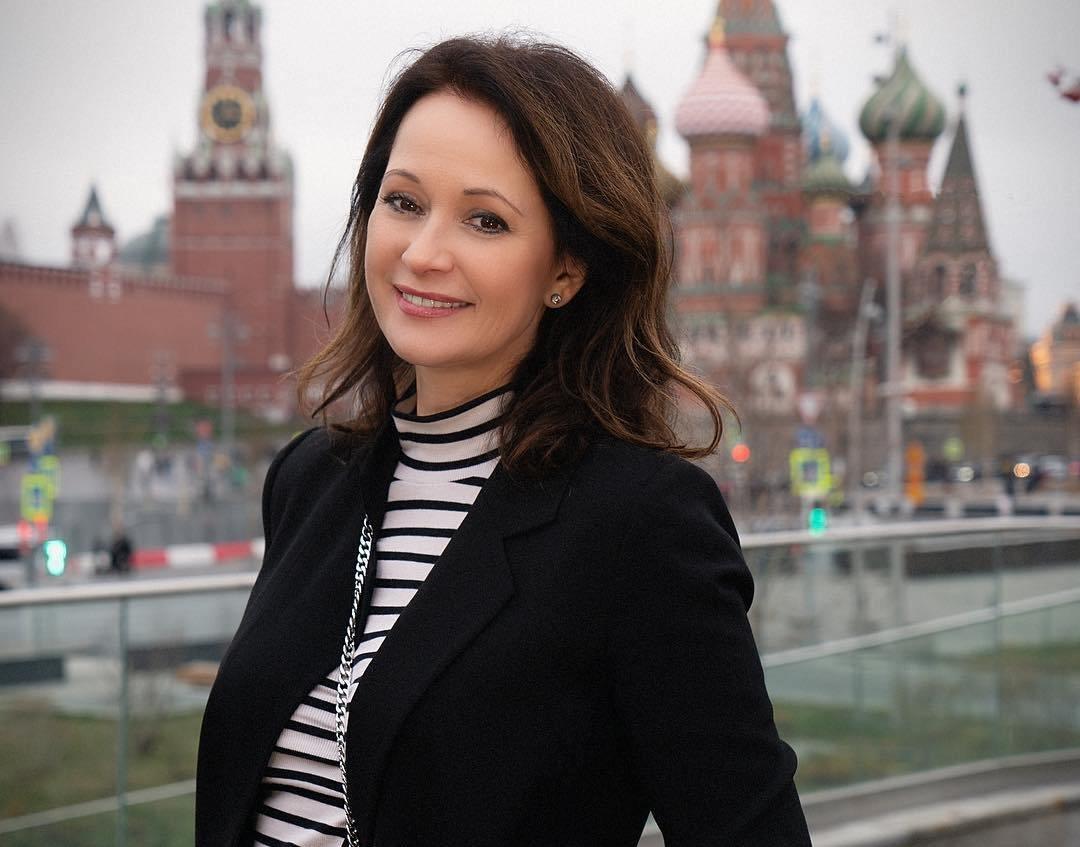 Ольга Кабо устроила пикантную фотосессию в пляжном аутфите