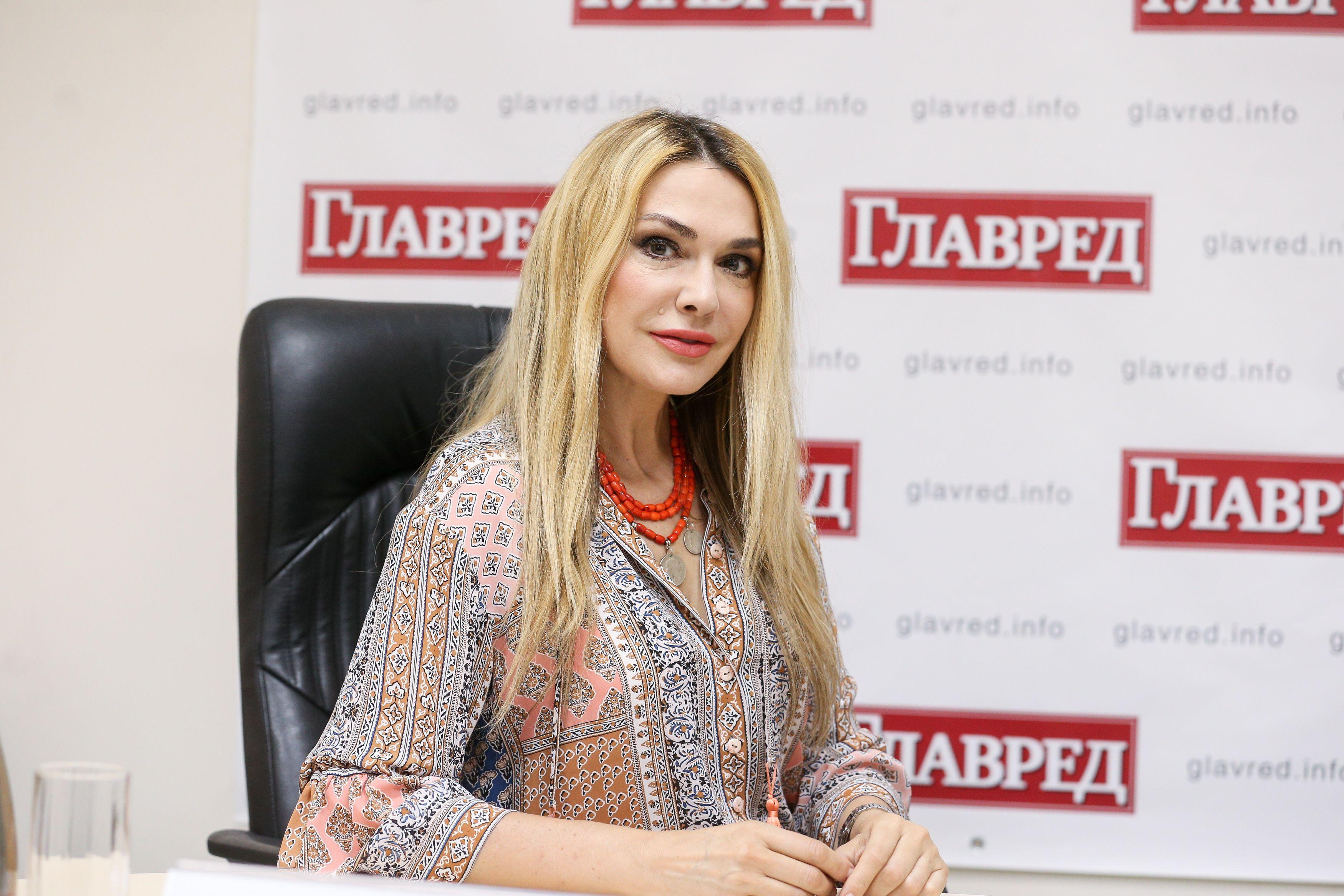 Ольга Сумская прогадала с нарядом для светского раута