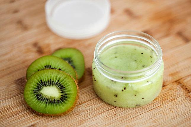 Топ-5 фруктовых масок для блеска и гладкости волос
