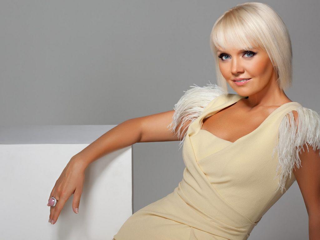 Валерия призналась, что стерла бывшего мужа из своей жизни