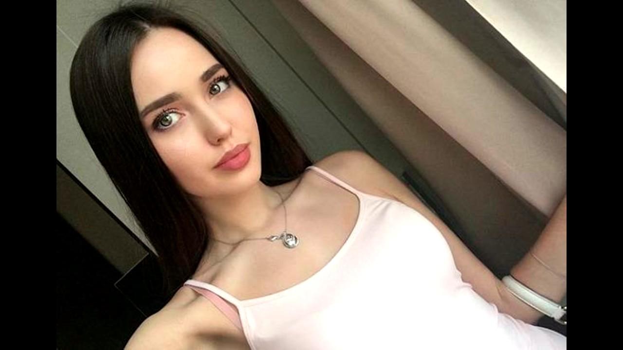 Беременную Анастасию Костенко госпитализировали после отпуска