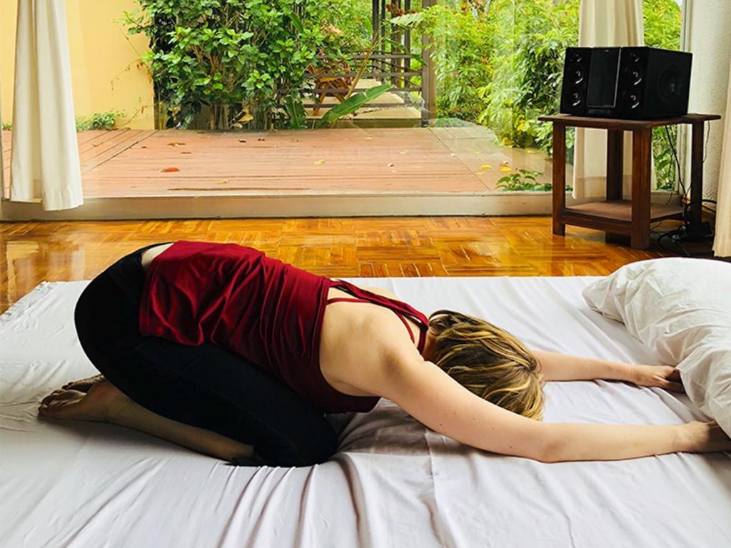 7 простых упражнений, которые стоит выполнять перед сном