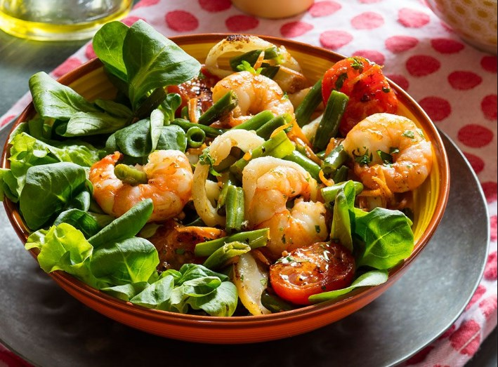 3 праздничных салата с морепродуктами