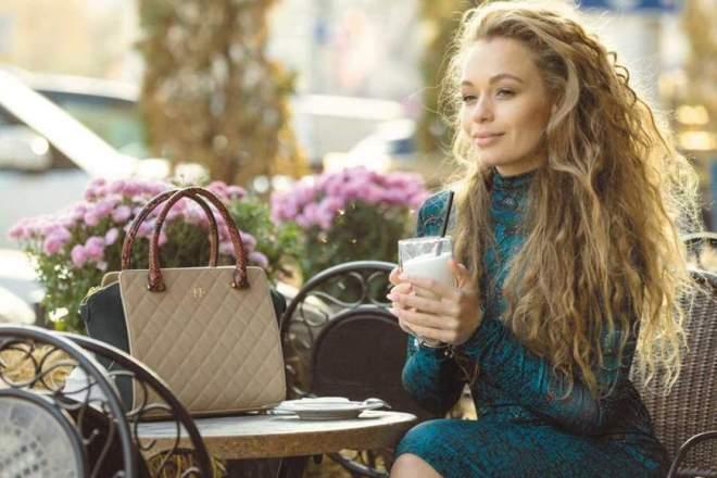 Яна Соломко посетила фестиваль «Жара» в стильном наряде