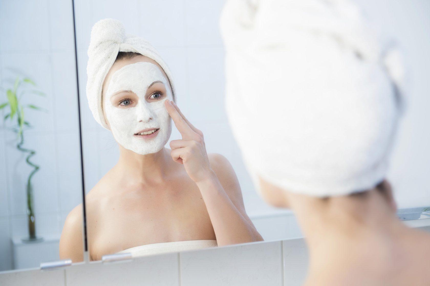 Домашние маски, которые помогут подготовить лицо к осени