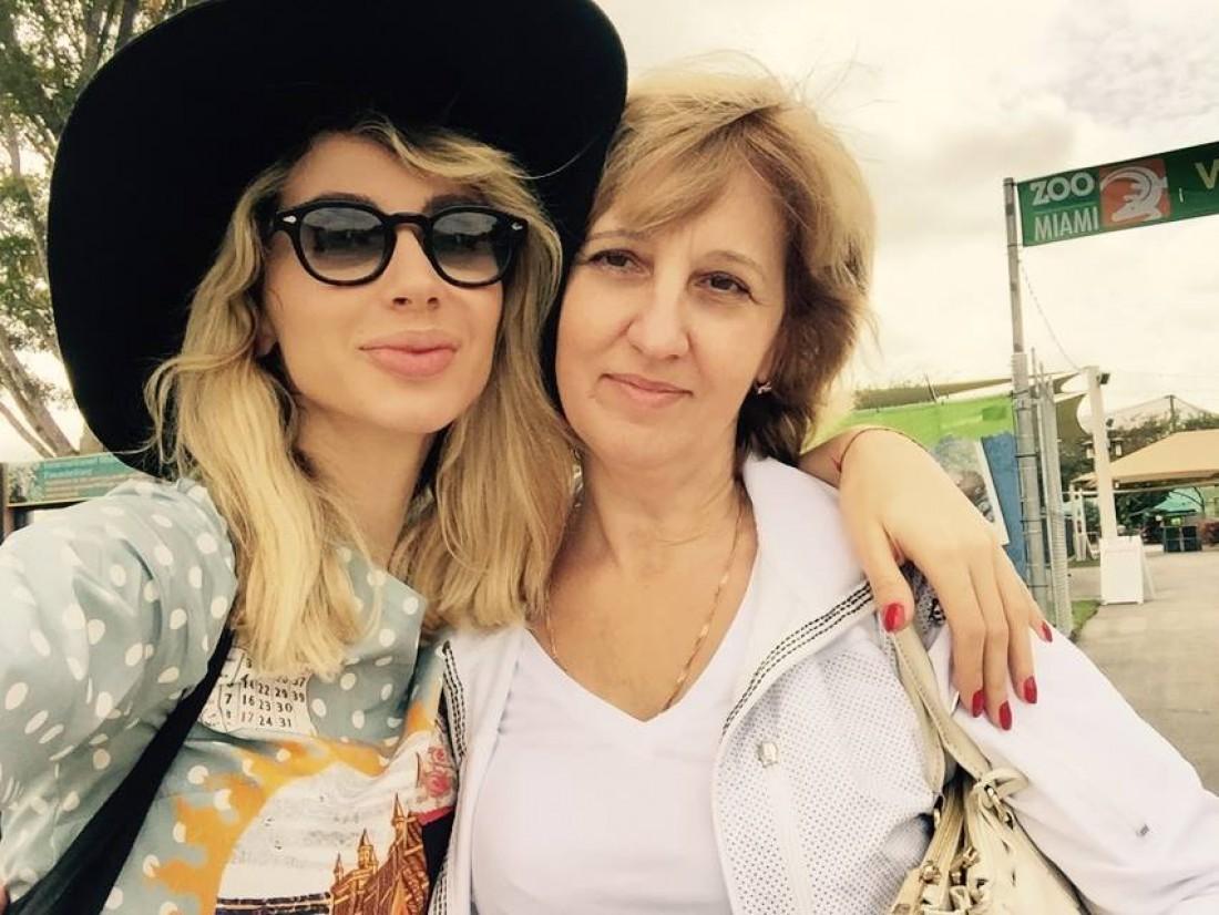Мать Светланы Лободы сфотографировалась в бикини
