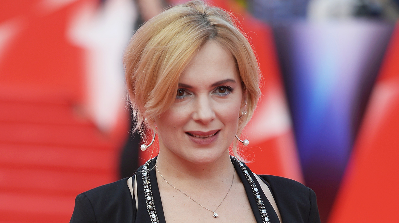 Мария Порошина призналась, что Гоша Куценко стесняется помогать своей дочери