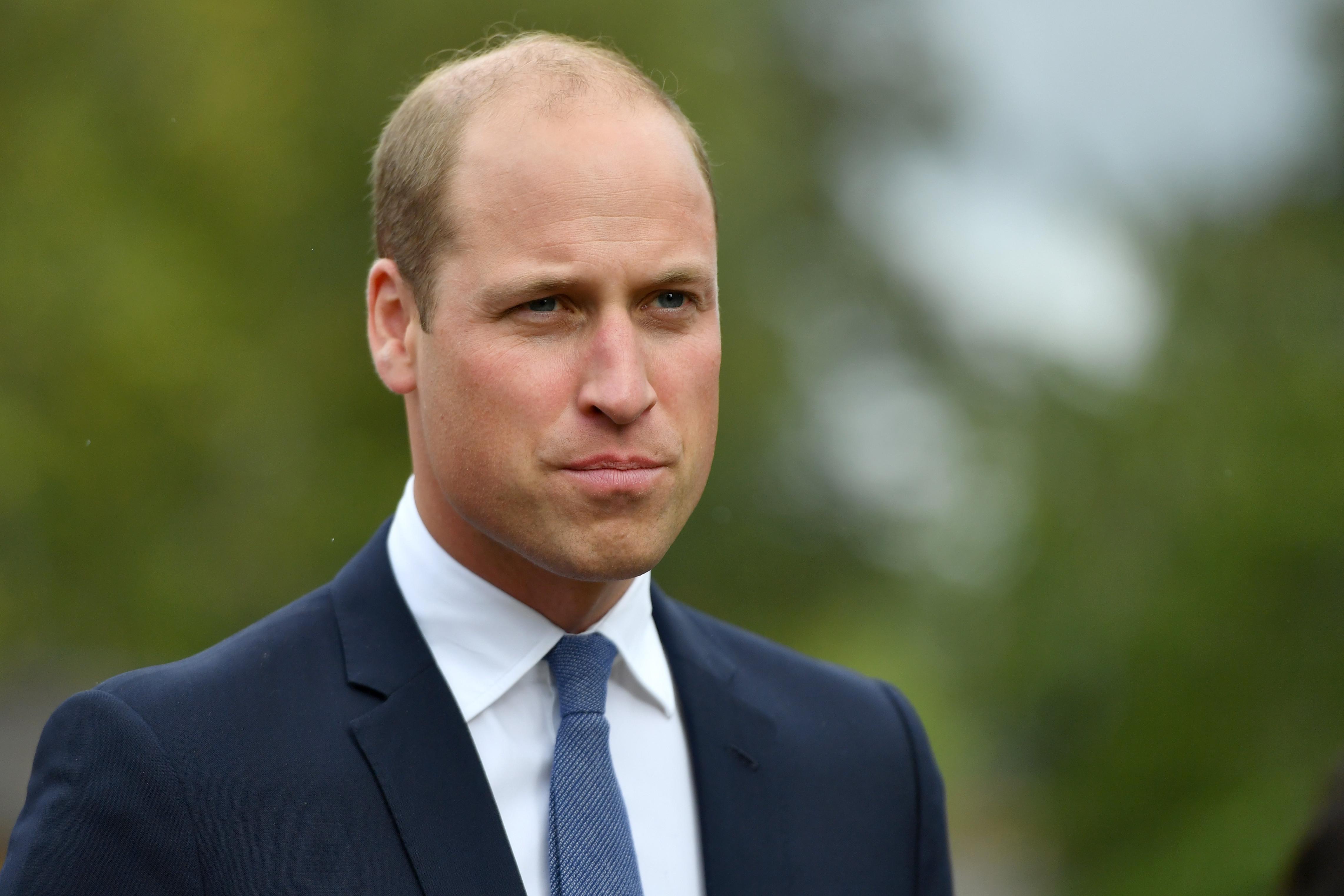 Принц Уильям показал в соцсети редкую архивную фотографию с принцессой Дианой