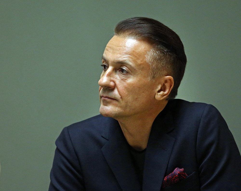 Олега Меньшикова экстренно госпитализировали