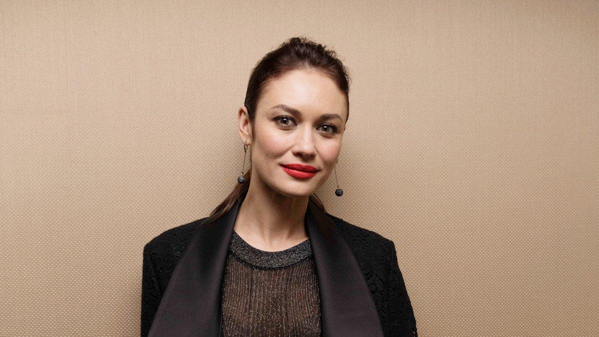 Ольга Куриленко рассказала, как совмещает семью и карьеру
