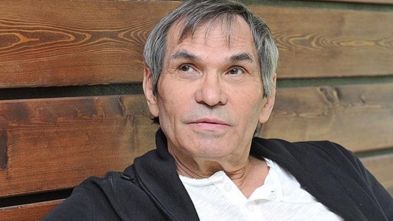 Бари Алибасов закрыл брата в психиатрической больнице