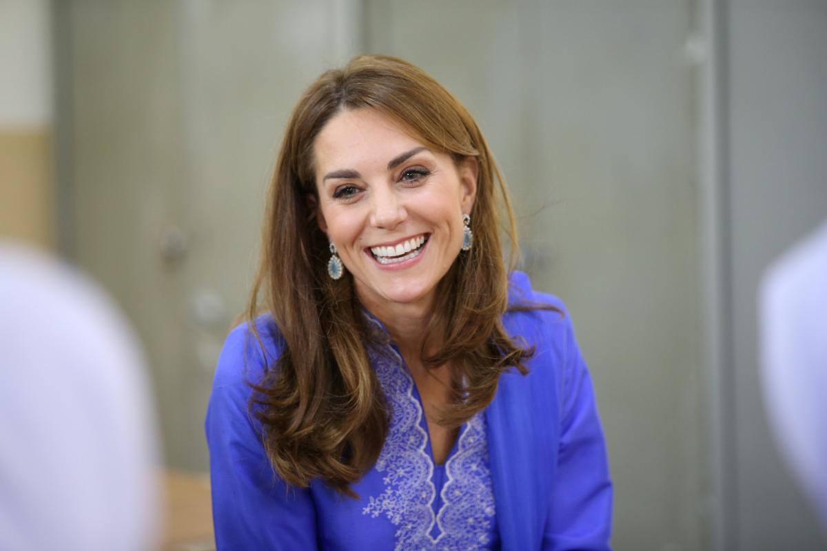 Появились фото Кейт Миддлтон во время ее работы в родильном отделении Кингстонской больницы