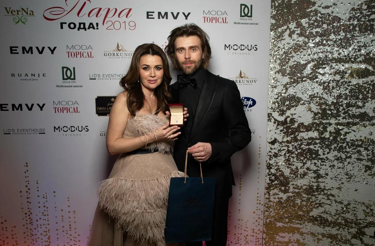 Муж Анастасии Заворотнюк Петр Чернышев вывел их годовалую дочь на лед