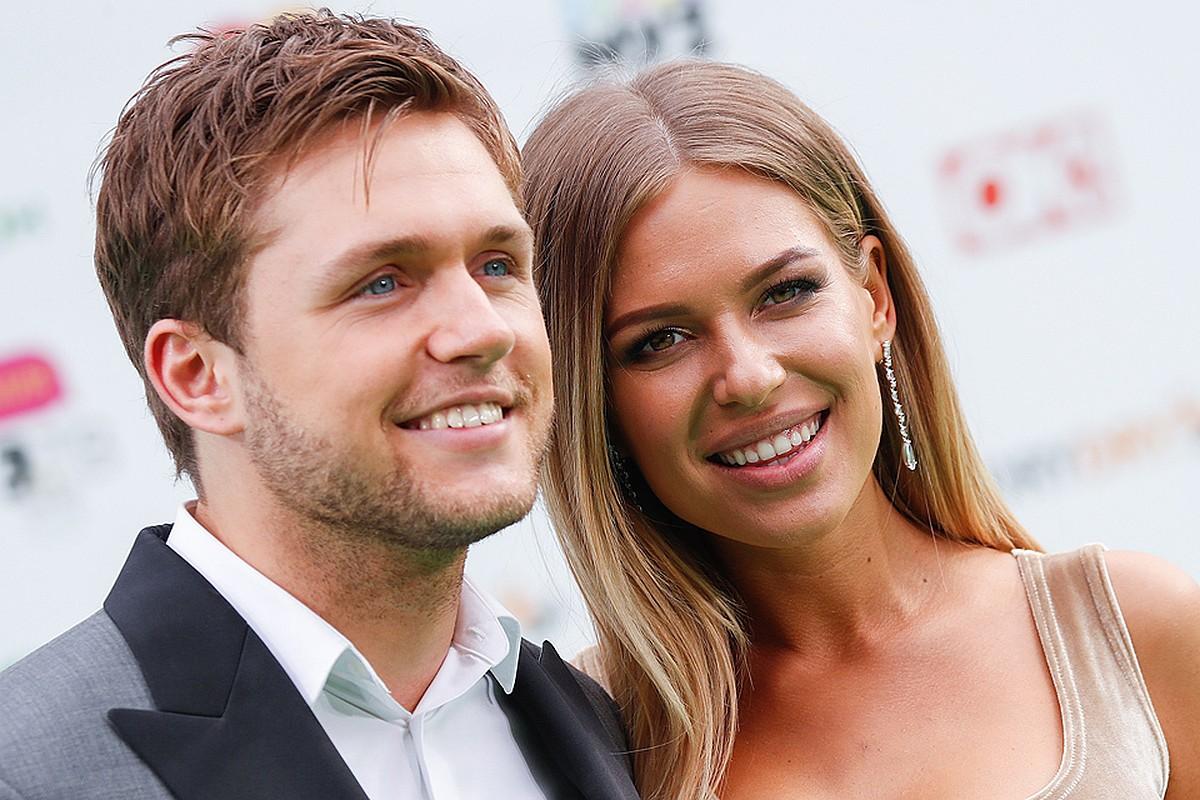 Рита Дакота отметила годовщину расставания с Владом Соколовским в компании экс-супруга