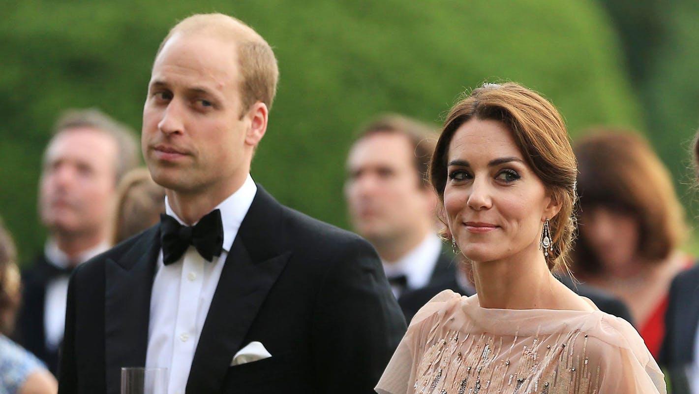 Кейт Миддлтон и принц Уильям встретились с финалистами премии Tusk Conservation Awards в Кенсингтонском дворце