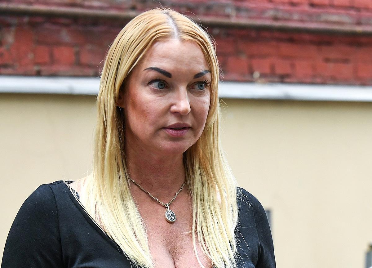 Анастасия Волочкова призналась, что по настоянию мамы сделала аборт