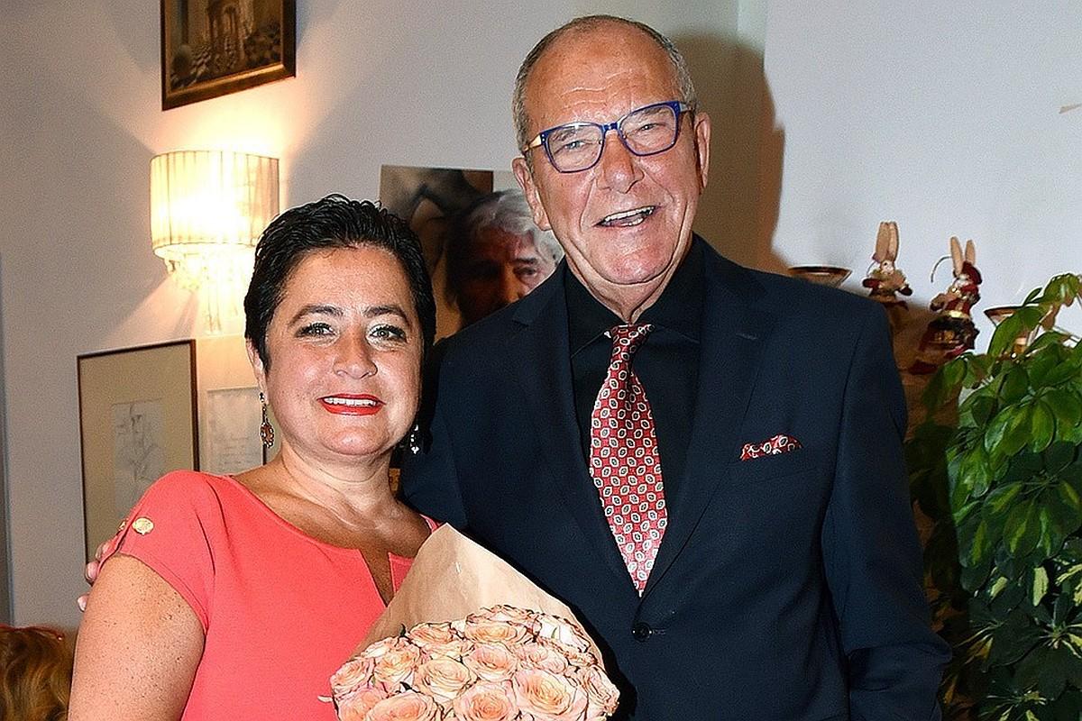 Эммануил Виторган с супругой показали подросшую младшую дочь