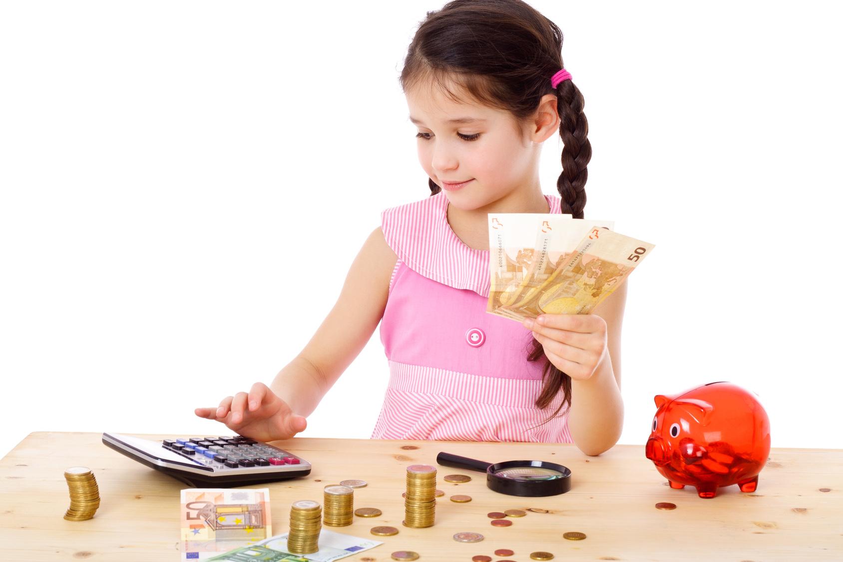 Как научить ребенка правильно относиться к деньгам?