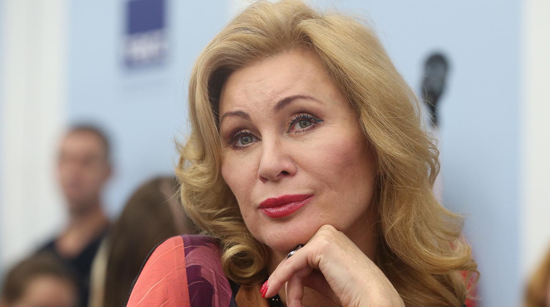 55-летняя Вика Цыганова показала фигуру в бикини