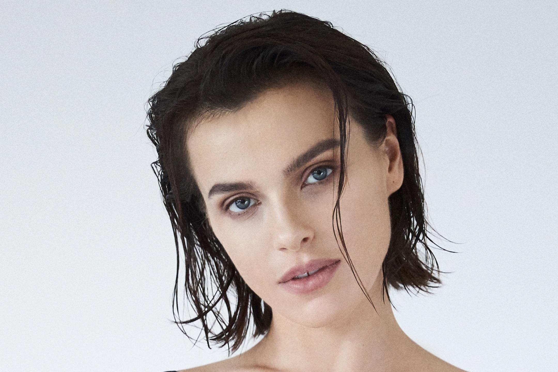 Елена Темникова снялась в совместной рекламе компаний