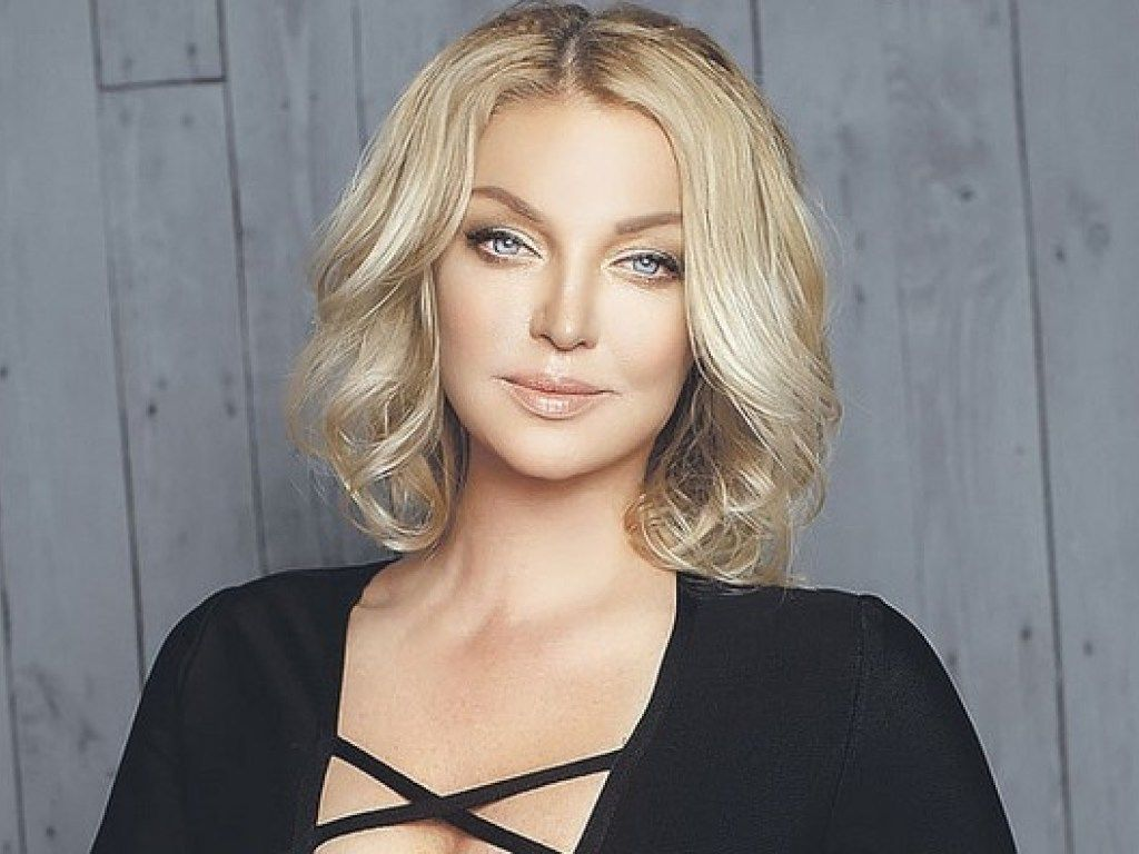Анастасия Волочкова призналась, что дочь не одобрила ее нового бойфренда