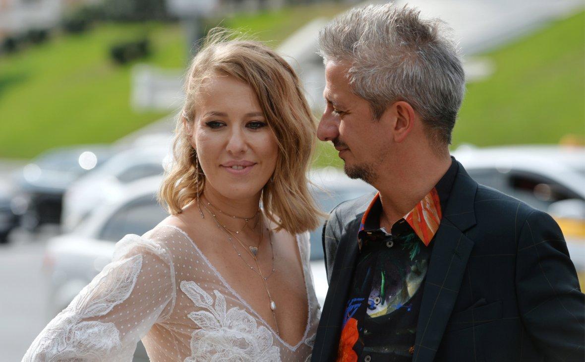 Ксения Собчак и Константин Богомолов впервые вышли в свет как муж и жена