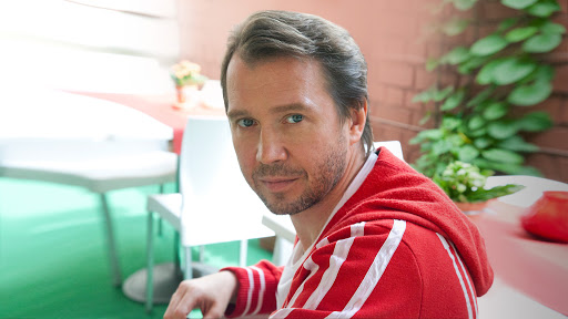 Евгений Миронов с сыном замечен на конкурсе по брейк-дансу