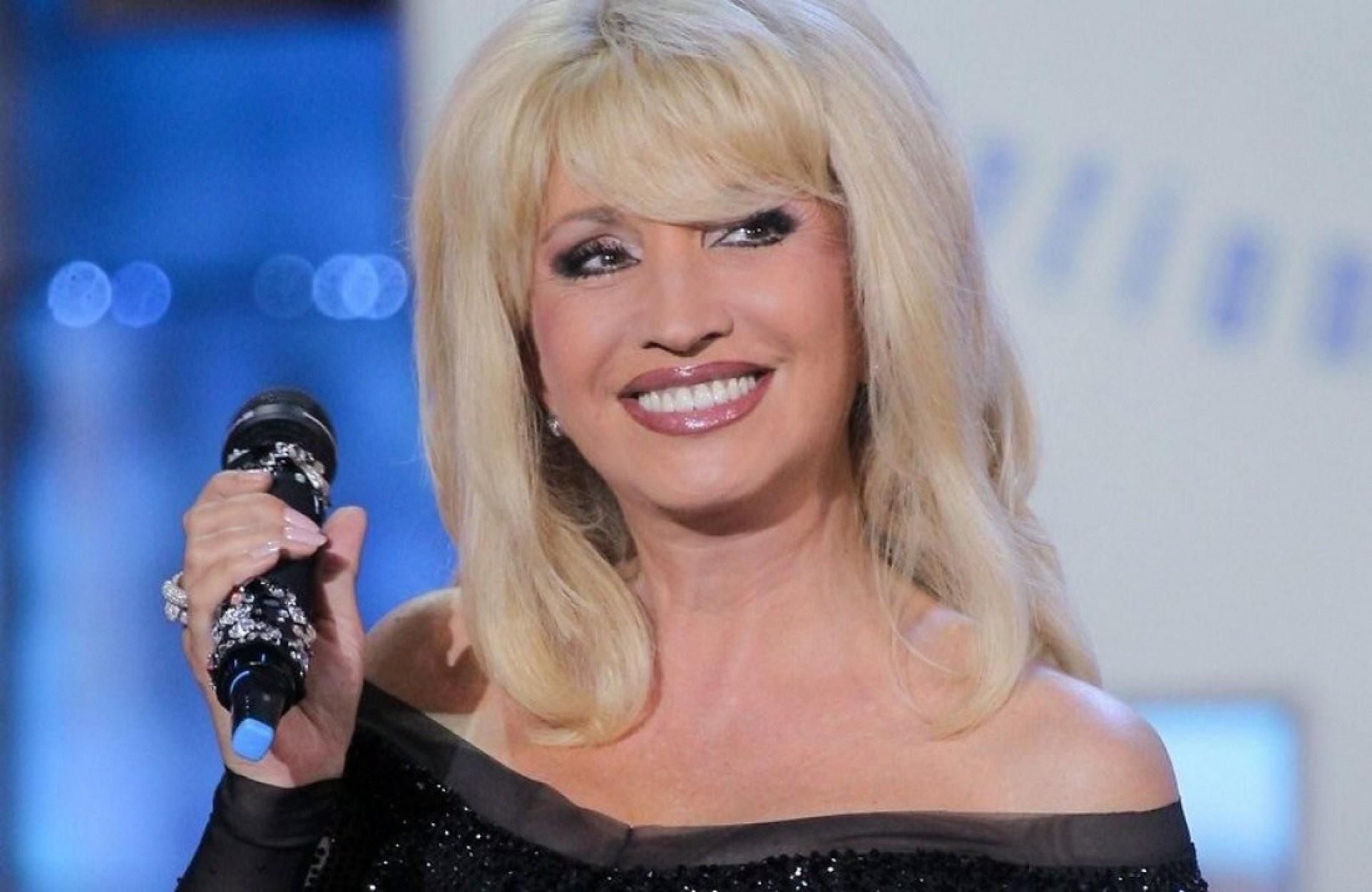В сети появилось фото Ирины Аллегровой без макияжа и парика