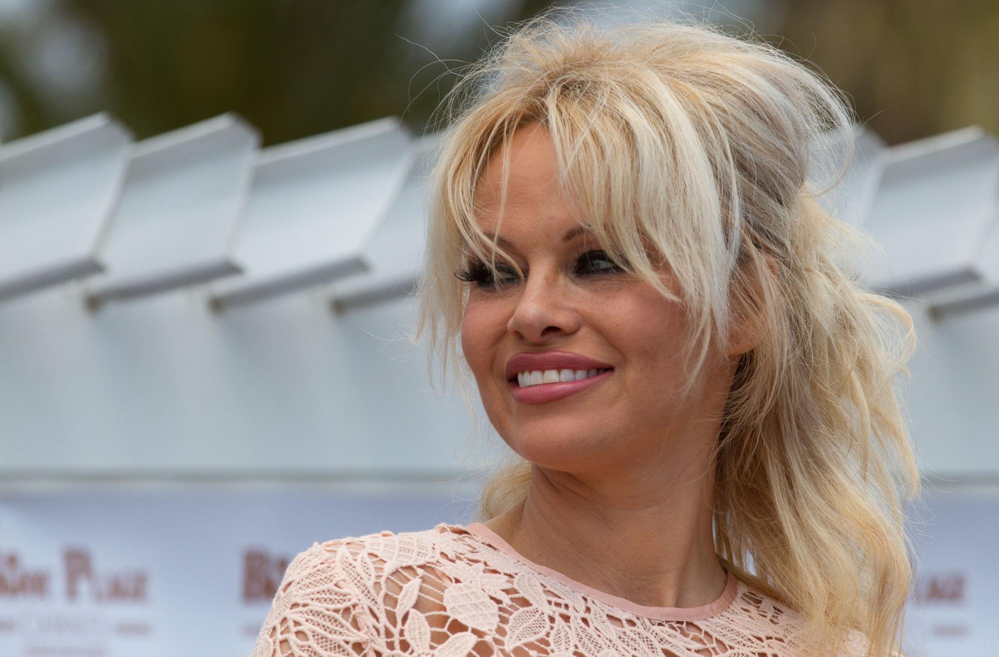 Памела Андерсон вышла замуж за 74-летнего продюсера