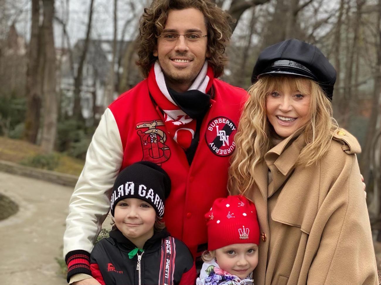 Максим Галкин поделился новым семейным видео с женой Аллой Пугачевой и их детьми