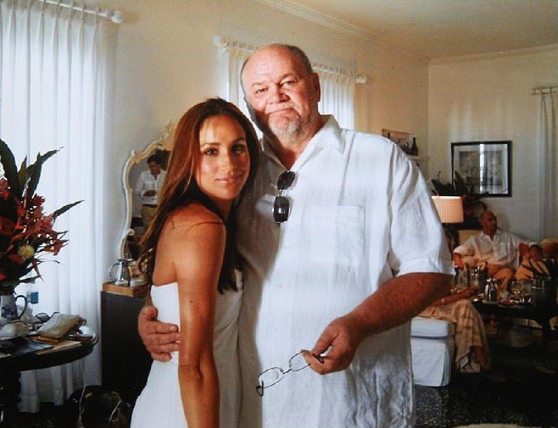 Отец Меган Маркл скомпрометировал дочь полуголыми фото