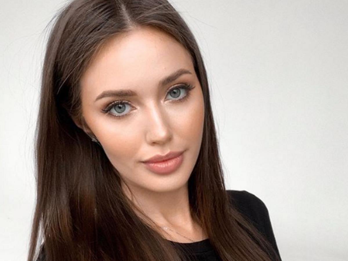 Анастасия Костенко опубликовала трогательное фото своих дочерей