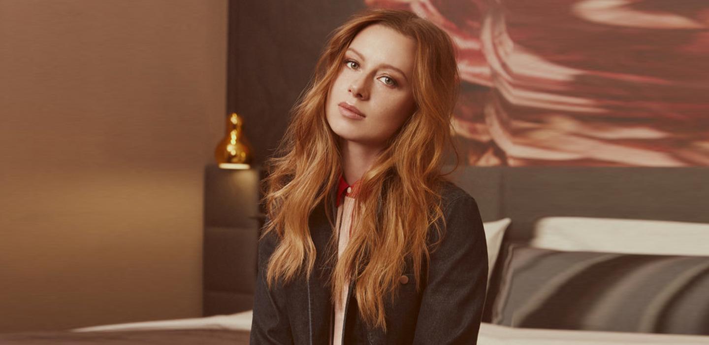 Юлия Савичева отменила концерты из-за травмы