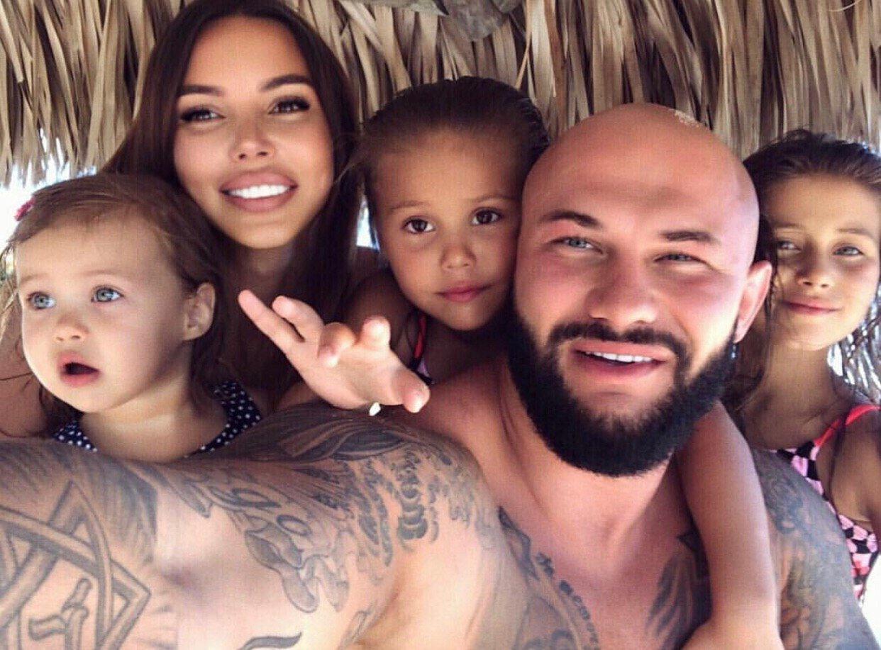 Семья Джигана возвращается в Россию после скандала