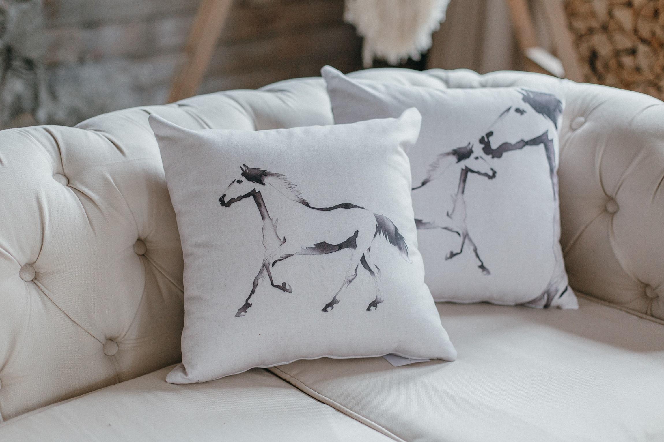 Как сделать декоративную подушку для дома?