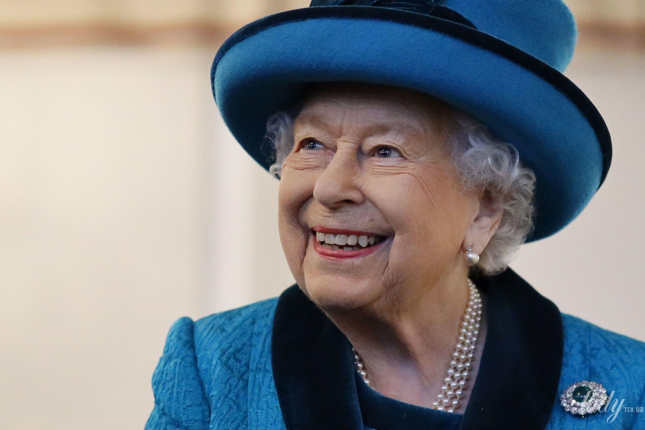 Королева Елизавета II прокомментировала пандемию коронавируса