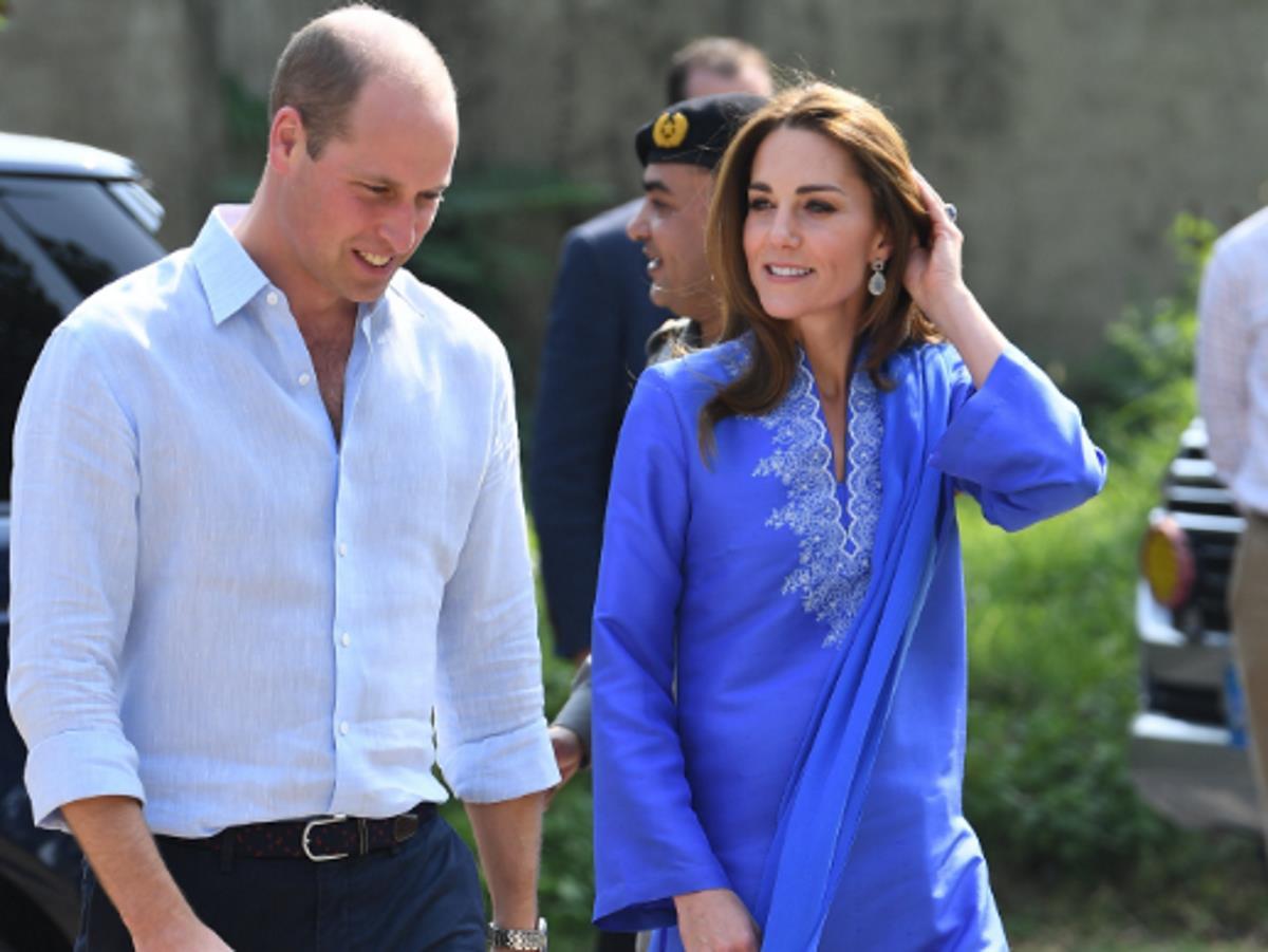 Кейт Миддлтон и принц Уильям посетили центр службы скорой помощи
