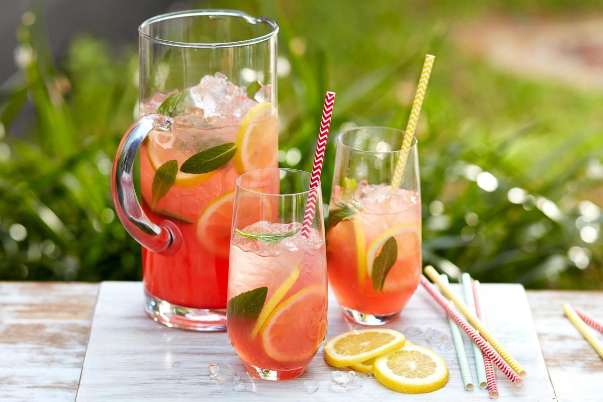 4 простых рецепта освежающего домашнего лимонада